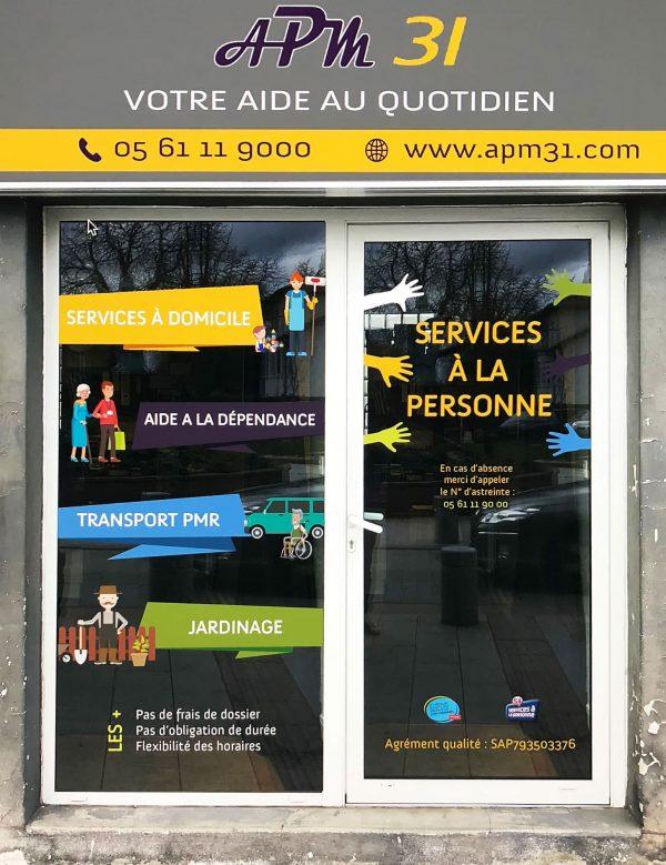 Enseigne d'entreprise - Vinyles sur caisson plexiglas - Toulouse - Blagnac