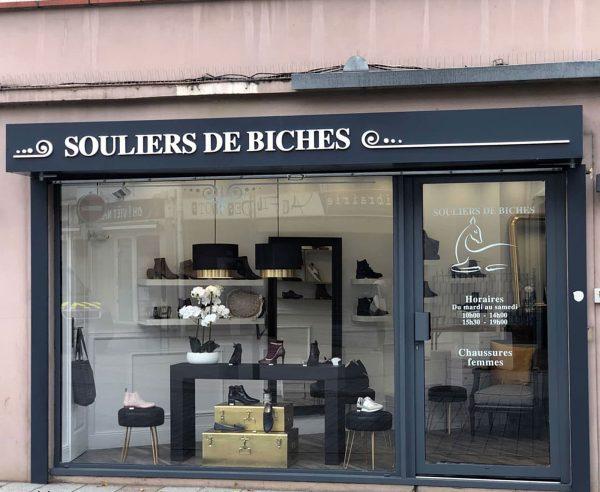 Enseigne de commerce de Chaussures - Lettres 3D sur caisson aluminium - Toulouse - Blagnac