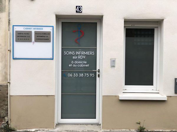 Panneau signalétique Infirmiers - Plexiglas et vinyles pelliculés - Toulouse - Blagnac